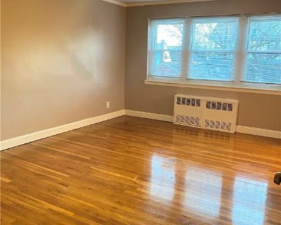 (ID#:1384008) Cozy & Spacious 3 Bedroom Apartment For Rent In Bayside