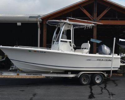 2010 Sea Hunt 202 Triton