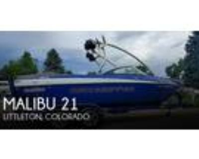 21 foot Malibu 21