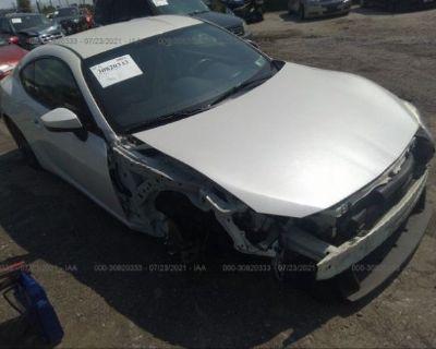 Salvage White 2013 Subaru Brz