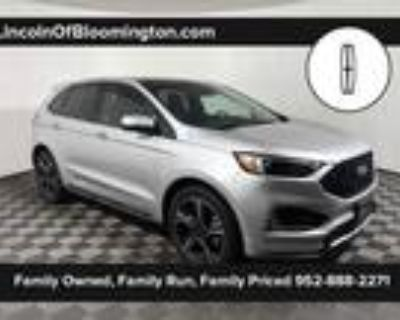 2019 Ford Edge Silver, 16K miles