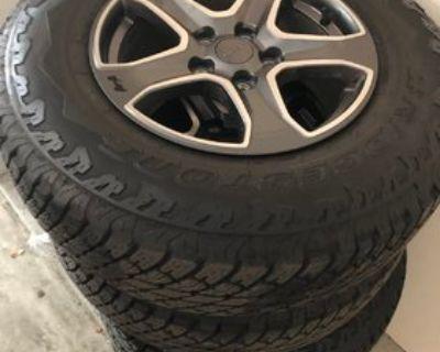 Washington - Set of 5 Rubicon 4xe wheels and tires (less than 50 miles) $1750