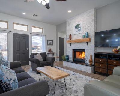 Upscale, Modern & Comfortable Home - Pet friendly - Patio - Swing set - Hammock - Edmond