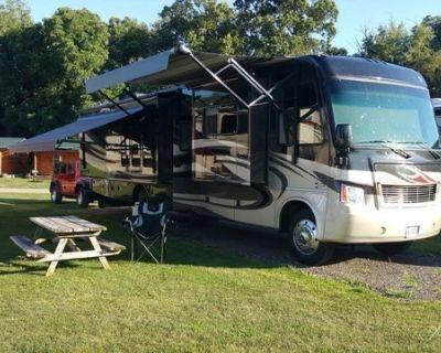 2012 Thor Motor Coach Challenger 37KT Class A Motorhome V10 37' King Bed 37KT