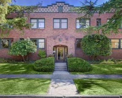 430 18th Ave E, Seattle, WA 98112 Studio Apartment