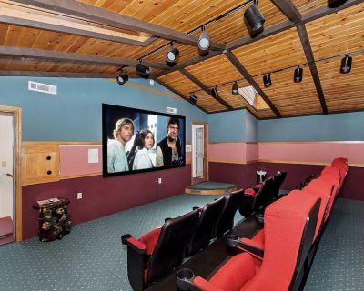 All Seasons: Movie Theater! Pool Table! Hot Tub! Mtn Views! Cable TV! Multiple Decks! - Upper Moonridge