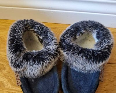 Laurentian chief toddler moccasins