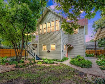 Heights Treehouse Loft - Houston Heights