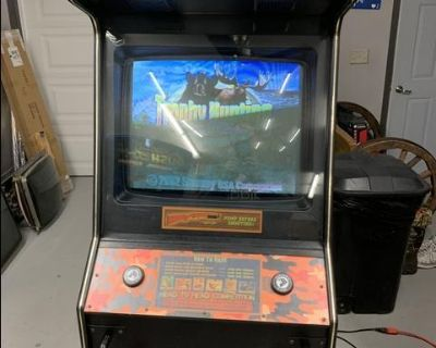 Trophy Hunter arcade game bears and moose hunting