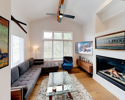 Luxe Townhome with Hot Tub & Bus Shuttle   Walk to Main St. & Old Town Lift - Park City