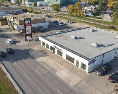 1141-1143 Pembina Highway Retail or Office Space