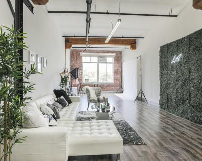 Urban DTLA Studio with Skyline View and Natural Light, Los Angeles, CA