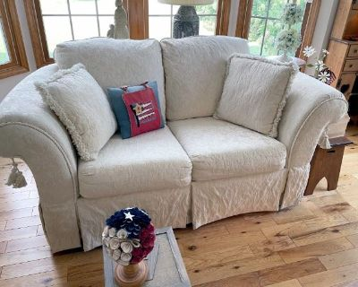 FAB East Amherst Carnaby Estate Sale