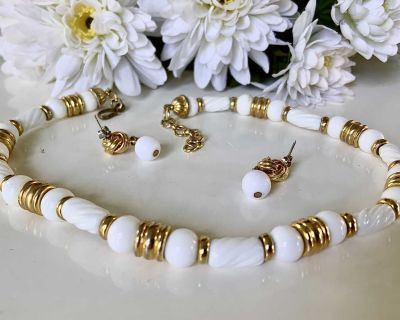 White & Gold Bead & Barrel Necklace & Earring Set
