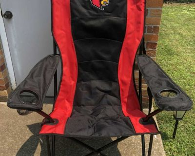 Louisville Cardinals - Luxury Camping Chair with wheels