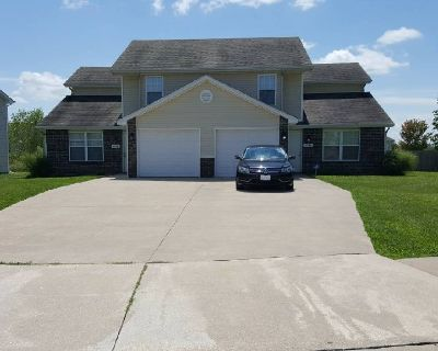 Rooms Available in Duplex Aug 2017 (Columbia)