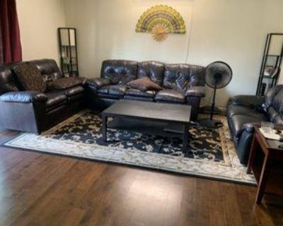 531 W Lies Rd #1stFL, Carol Stream, IL 60188 2 Bedroom Apartment