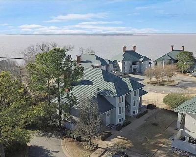Water-view in Kingsmill, 10 minutes to Busch Gardens & Colonial Williamsburg! - Kingsmill