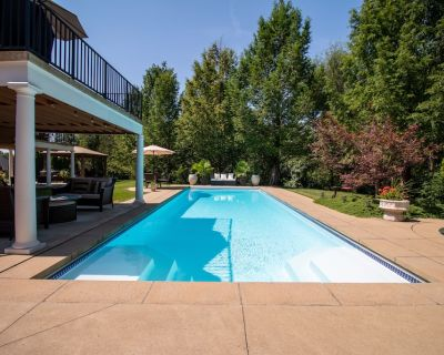 Louisville Razor Creek Estates - KY Derby Dream Home! - Louisville