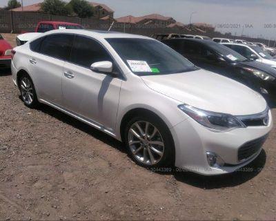 Salvage White 2014 Toyota Avalon