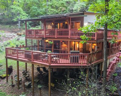 Peaceful Mountain Cabin Chalet & Amazing Outdoor Living Space - Pigeon Forge