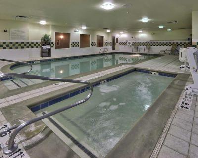 4 Double Queen Rooms, Fitness Center, Historic - Albuquerque