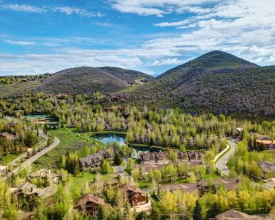 Abode at Deer Lake Village Lower Deer Valley | Townhome with trails at the doorstep | Hot tub - Park City
