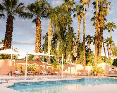 Gorgeous Home Private Saltwater Pool, Cabanna, Jacuzzi, Luxury Retreat - Palm Desert