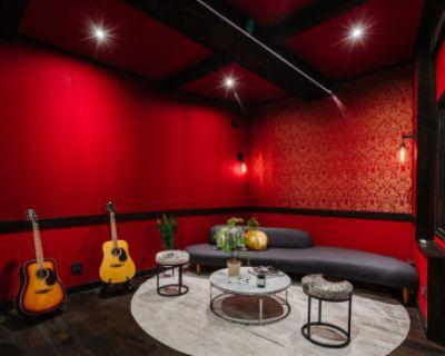 Music Recording Studio in Beverly Grove, Los Angeles, LOS ANGELES, CA
