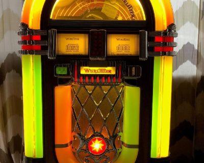 Wurlitzer Jukebox - 1015 Model (50 CD's)