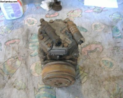 VW Bus AC compressor pump 72 - 79 yr