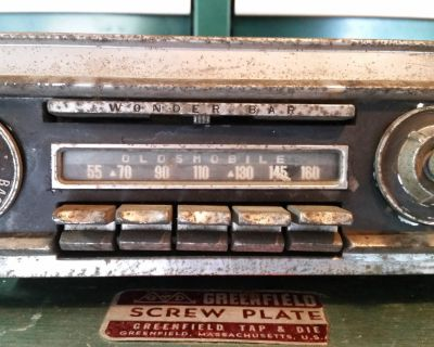 RARE 59 1959 Oldsmobile AM Push Button Radio Olds Dash Face Plate Knobs