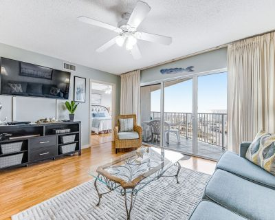 Open, Inviting Condo, Steps To The Gulf, Shops & Restaurants Nearby - Okaloosa Island
