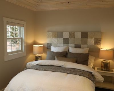 Mountain Chic Cheyenne Ca on Cottage, Steps to The Broadmoor & Amazing Hiking! - Southwest Colorado Springs