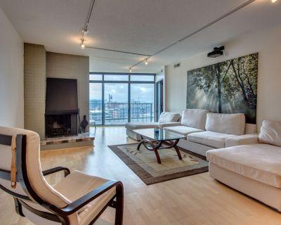 High Rise Condo Downtown-Executive 30 Day Rental - LoDo