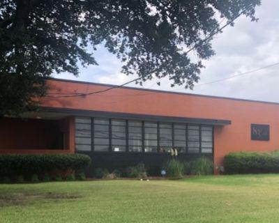 Super Fantastic Warehouse Sale in Design District by Blue Ribbon