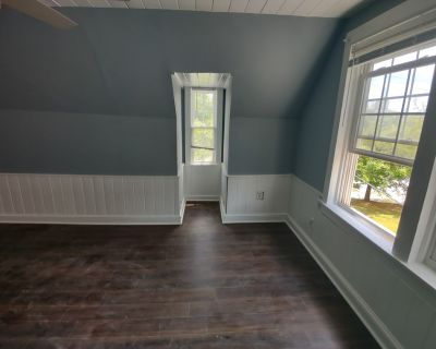 $800 per month room to rent in Glenwood Hills available from June 2, 2021
