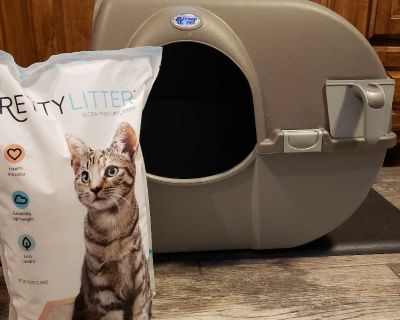 Easy cleaning cat box