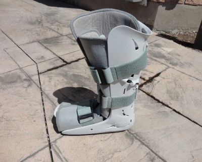 used Aircast FP Walker Ankle Cast Boot Size Large