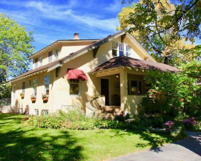 Family-Friendly Craftsman, Walk To Downtown & CC, in Historic District - Old North End