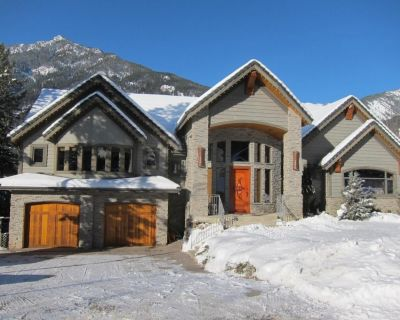 Sensational Mountain Lodge in the middle of Panorama Village - Panorama