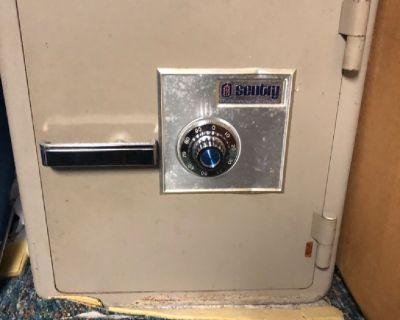 Safe locker