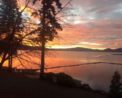 *New Listing* Lake Almanor Combo - Incredible lake views, Spacious deck, Sleeps 22 - Peninsula Village