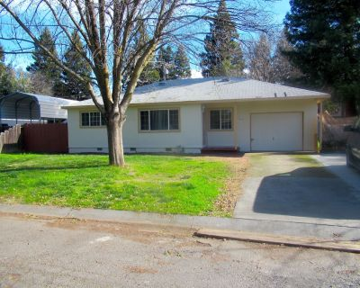 A Very Comfortable and Cozy 3 Bedroom Home located in a nice Chico Neighborhood - Chico