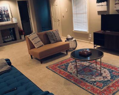 Boho Chic basement apartment - Cobb County