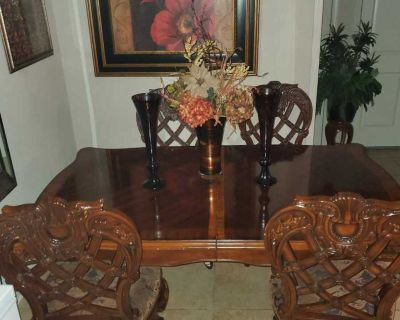 Formal Dinning Table With Extended Leaflets & 4 Chairs Solid Wood minor scratches.