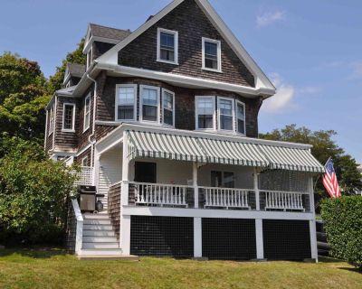 Landmark Victorian Summer Cottage on Narragansett Bay - Shoreby Hill