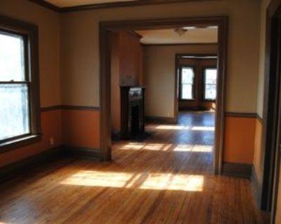 464 W Utica St #2LOWERRIGH, Buffalo, NY 14213 3 Bedroom Apartment