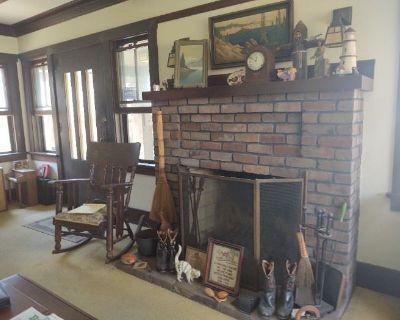 Vintage Long Beach Estate Sale: Lifelong Resident in Historic Sunrise District Since 1915