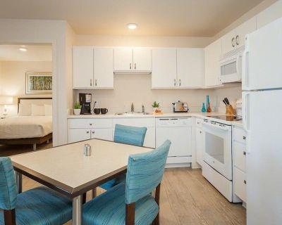 2 BDR 2 Bath Furnished Apartment Style Suite at WaterWalk - Wichita